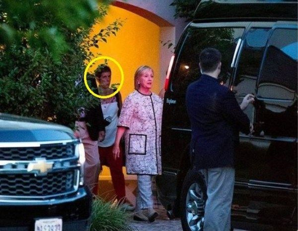 Hillary Clinton with Debra Katz leaving Cape Cod fundraiser 8-21-2016